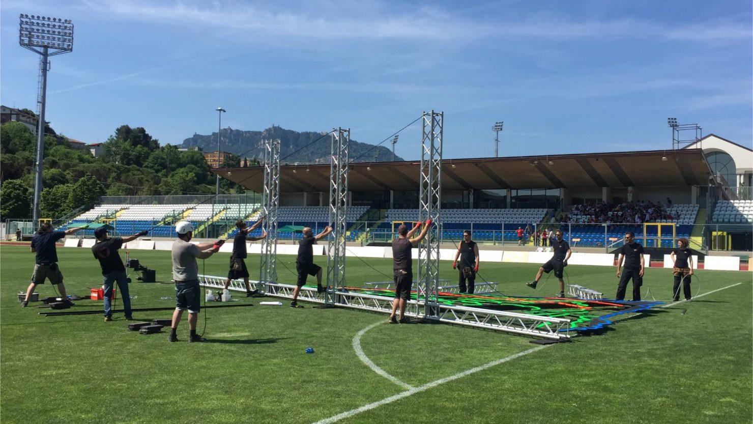 Montaggio palco ai XVIII Giochi dei piccoli stati d'Europa