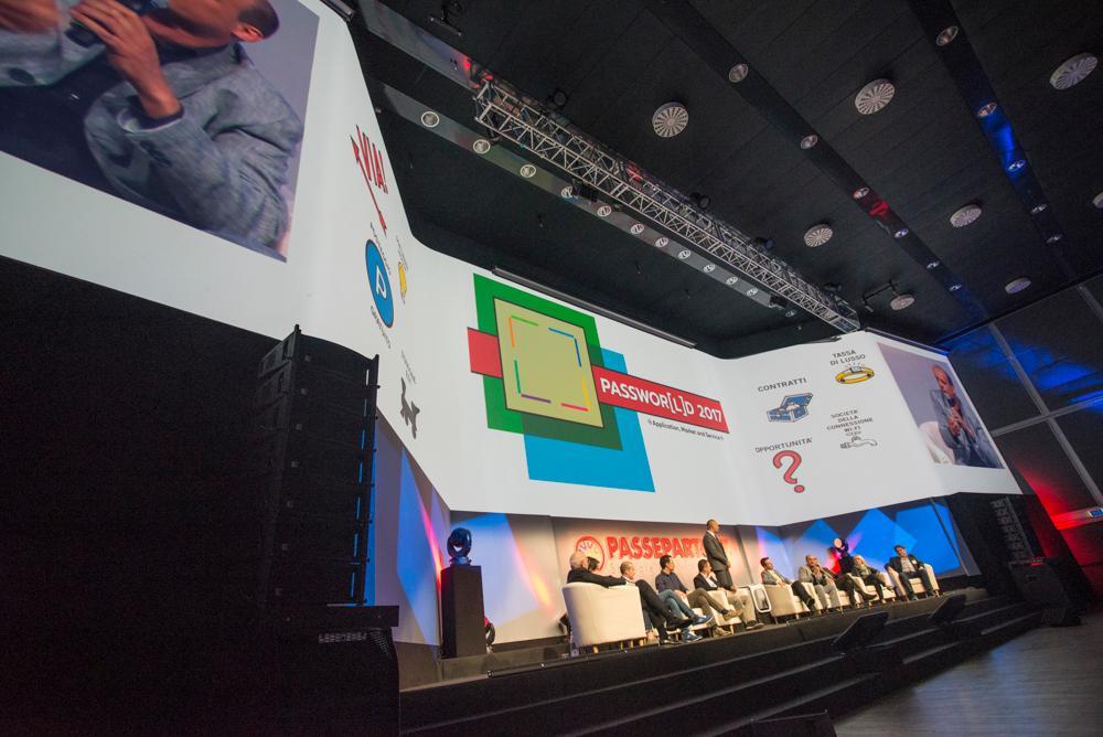 Schermi sul palco conferenza Passepartout