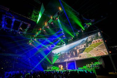 Luci, palco e schermo evento Tecnocasa